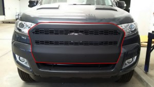 ford-ranger-mc-t6-grill-cover-01